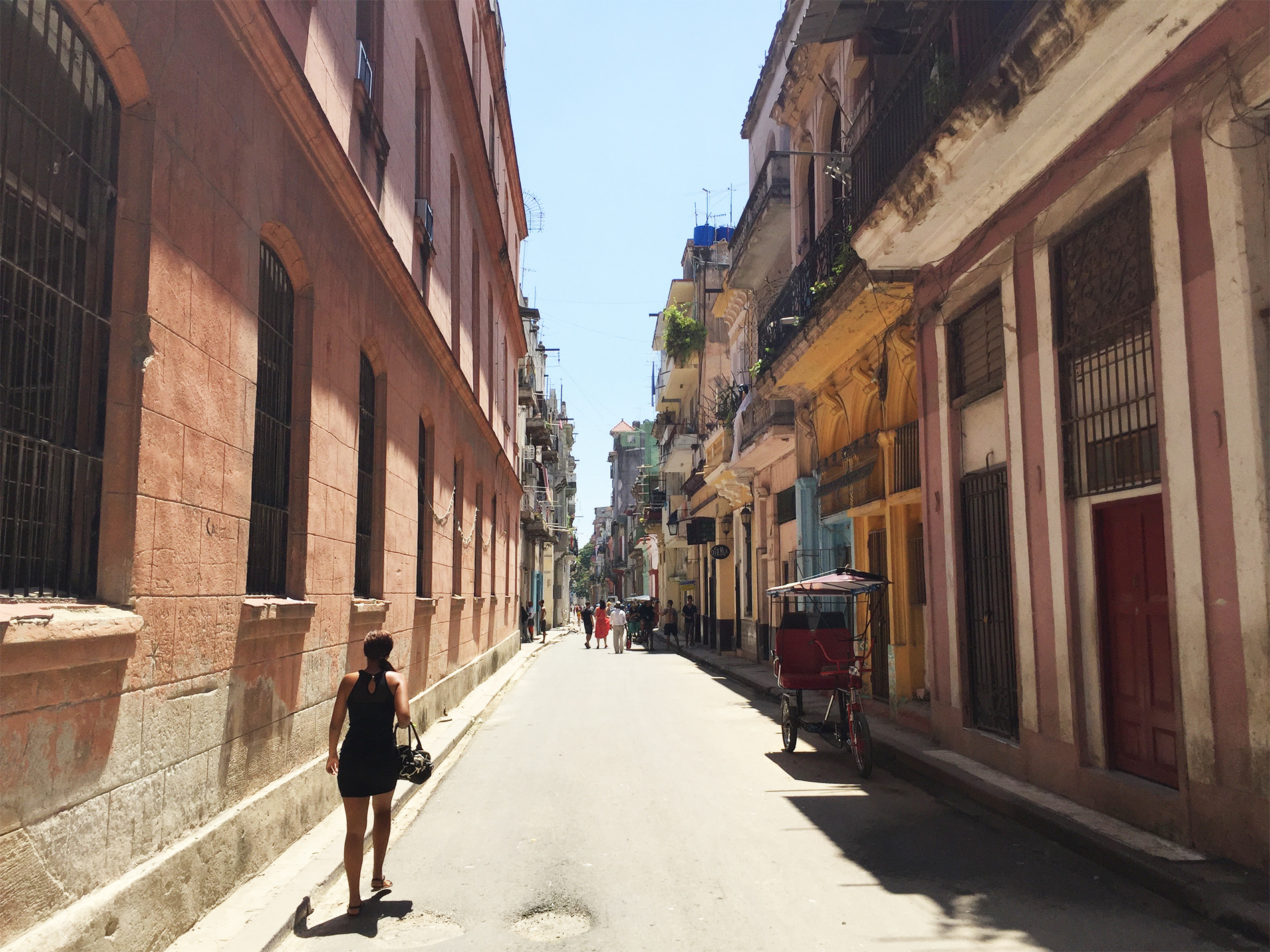 ハバナのツアーバスとモヒートと / キューバ