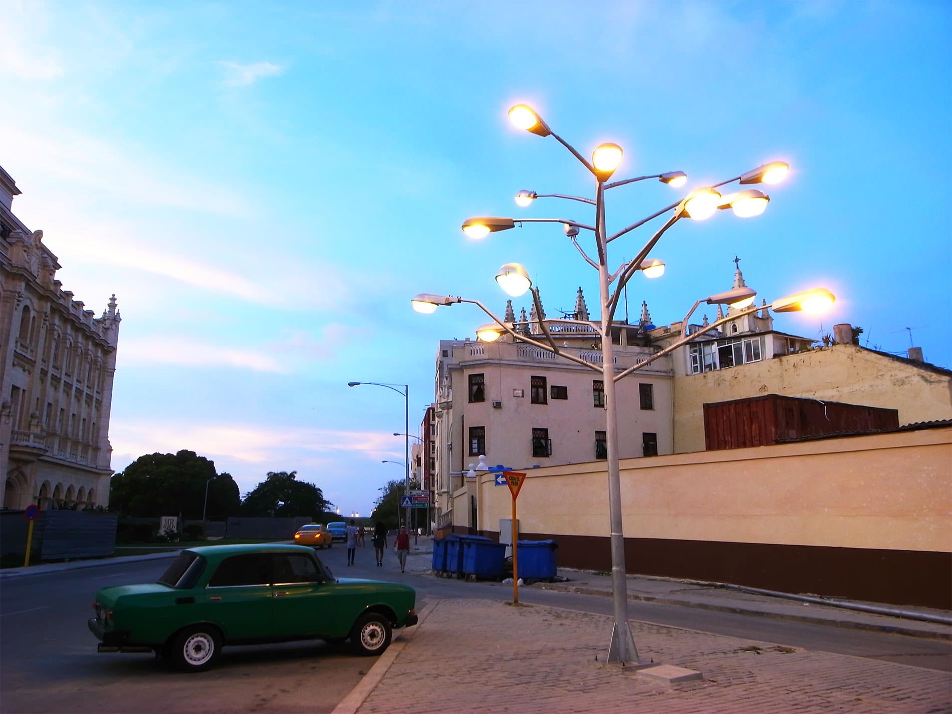 夕暮れのハバナ旧市街を散歩 / キューバ
