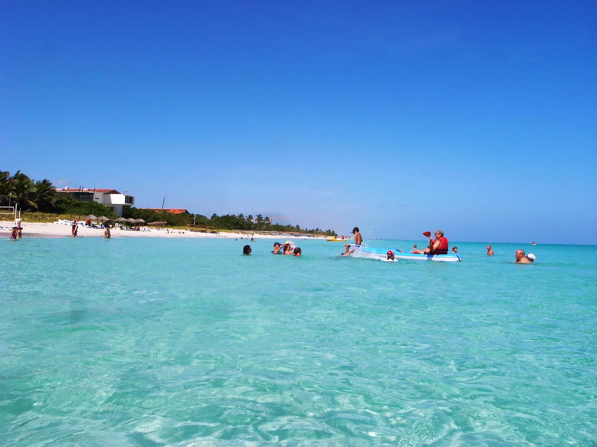 キューバ・バラデロでビーチリゾートとカリブ海とと