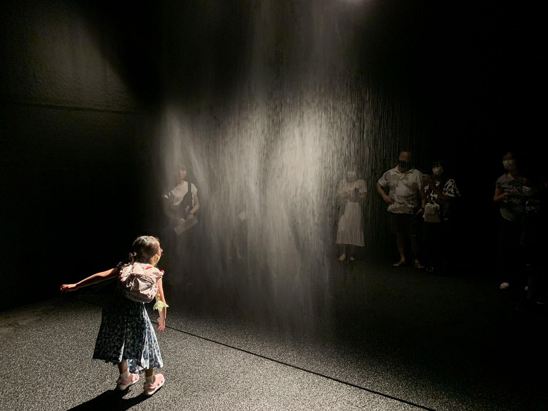 オラファー・エリアソン 「ときに川は橋となる」展 | ビューティー | 東京都現代美術館 / Olafur Eliasson | Beauty | MUSEUM OF CONTEMPORARY ART TOKYO 2020